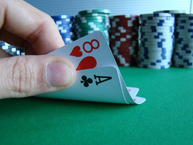 Different ways of playing poker