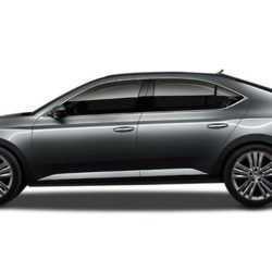 Skoda Superb: A first look at the upcoming facelift.