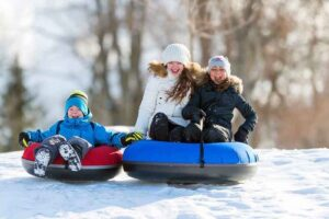 Eight Snow Activities To Do During Family Vacations