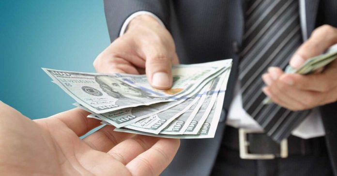 How do I check if a moneylender is licensed in Singapore?